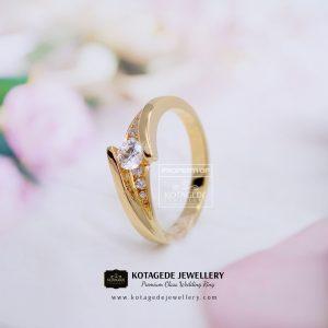 Cincin Kawin Tunangan Diamond Elegant Emas Kuning YG0130