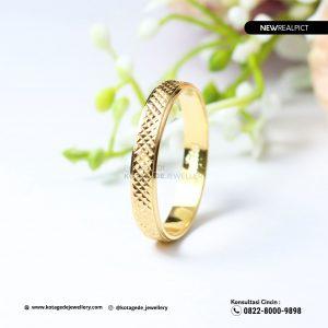 Cincin Kawin Tunangan Emas Kuning Elegant YG0220