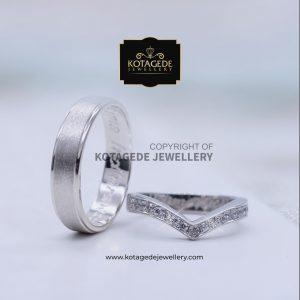 Cincin Kawin Tunangan Palladium Emas Putih Elegant PD0086WG