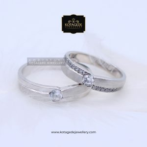 Cincin Kawin Tunangan Platinum Emas Putih PT0083WG